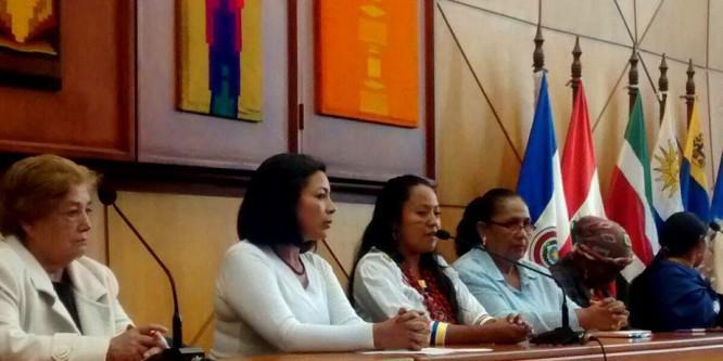Mujeres del campo y la ciudad se reúnen en Quito