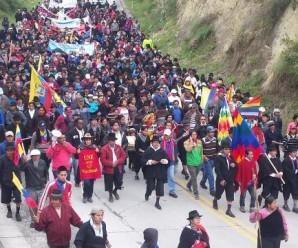 Previo a Levantamiento y Paro Nacional, Masiva Afluencia Popular Paraliza Vía Loja-Saraguro
