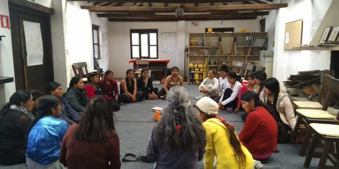 Mujeres de la Sierra Sur se fortalecen en taller de autocuidado